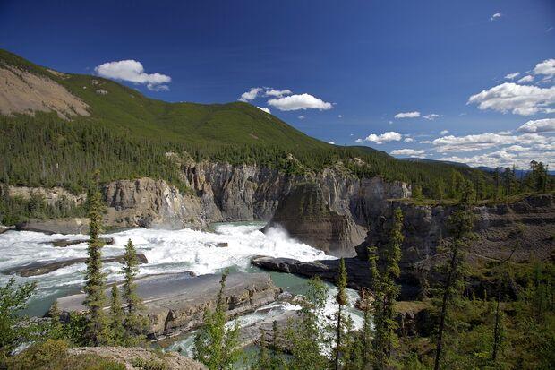 45_Nationalparks_Kanada_Nahanni  Asymetric-Jason Van Bruggen (jpg)