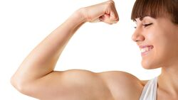 AL Illu Frau mit dickem Bizeps Muskeln stark shutterstock_124831705 (jpg)
