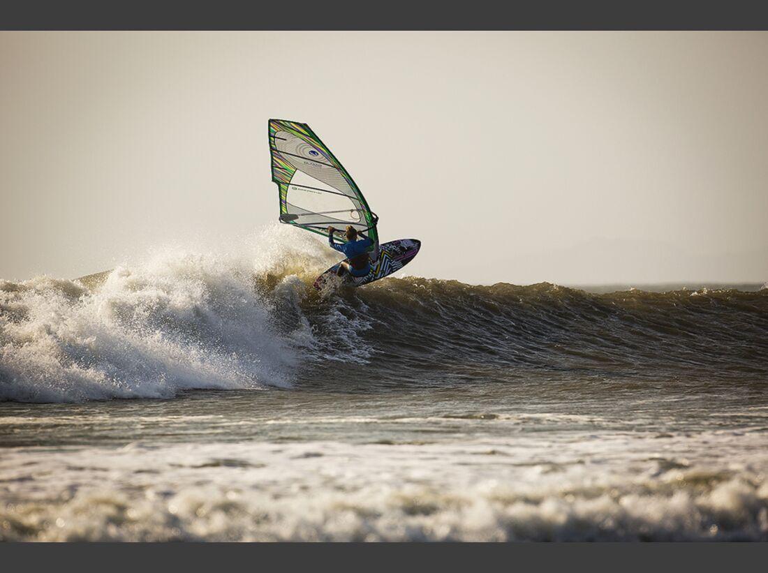 AL-The-Butterfly-Effect-Be-the-Effect-women-in-watersports-BN7C3242 (jpg)