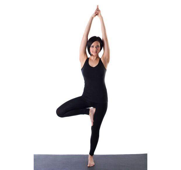 AL-Yoga-Baum-shutterstock-fuer-burmester-0113-shutterstock_90598651 (jpg)