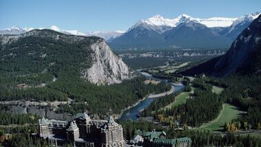 Banff_FairmontBanffSprings (jpg)