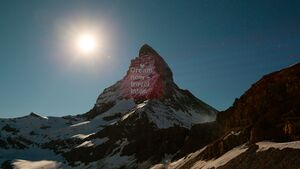Beleuchtetes Matterhorn in der Schweiz - 8.4.2020