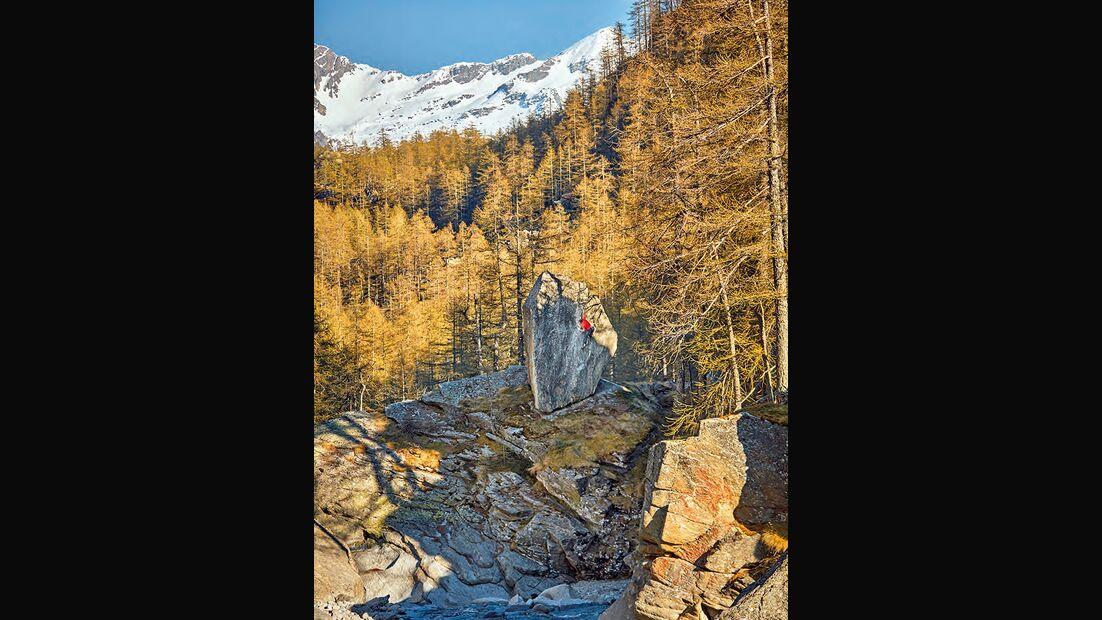 Bernd Zangerl am Photoblock im Val di Orco, Italien