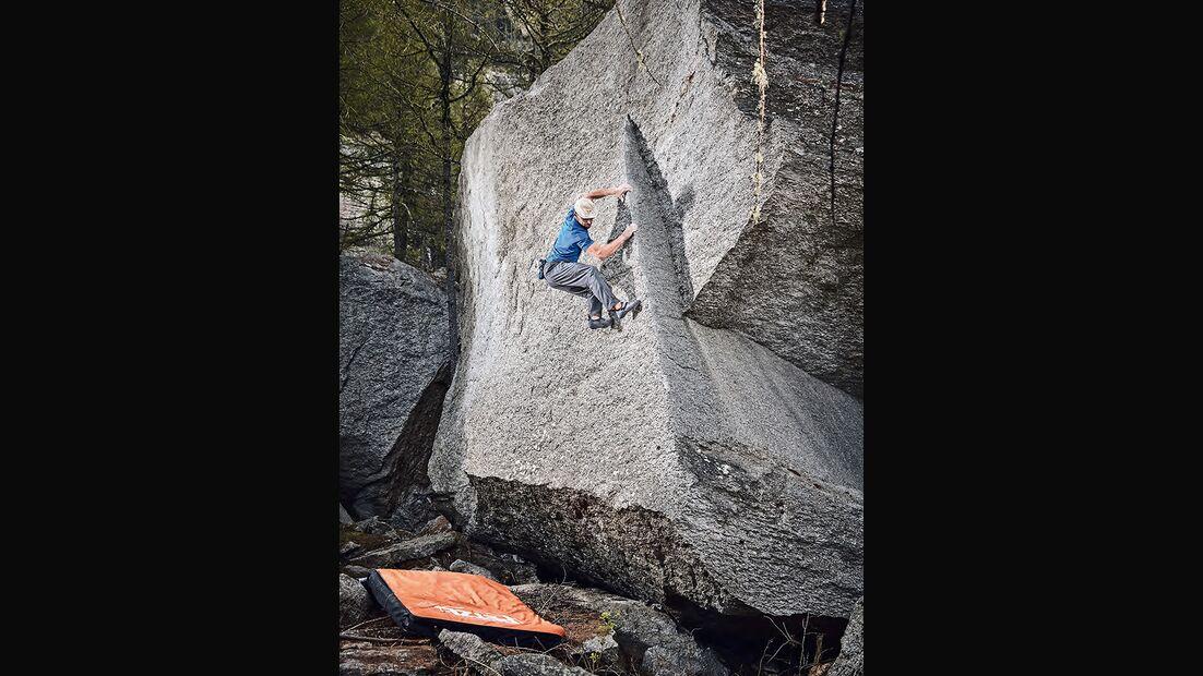 Bernd Zangerl in einer Erstbegehung im Val di Orco, Italien