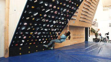 Bouldertraining: Jule Wurm am Moonboard