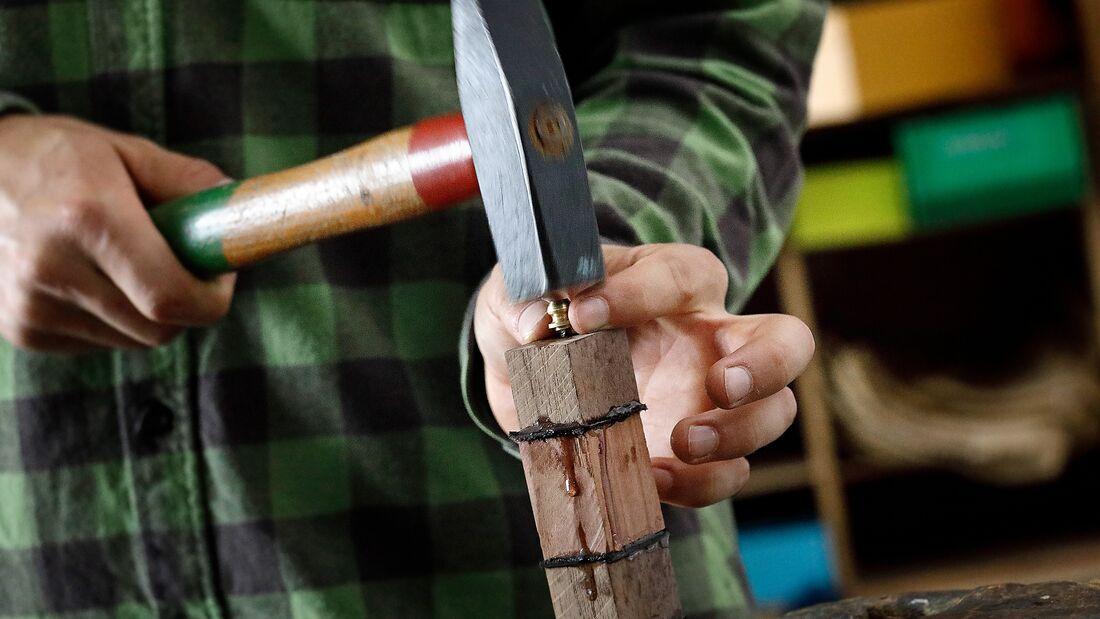 Bushcraft: Messer und Messerscheide bauen