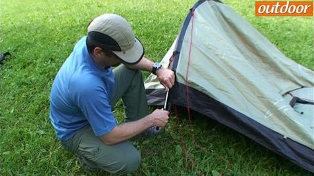 Camping-Knowhow: So bauen Sie ein Tunnelzelt auf