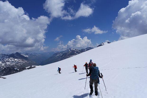 Daniela auf Alpencross mit dem Mammut Crea Pro 9