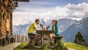 Eine Einkehr in den Südtiroler Berghütten lohnt sich immer