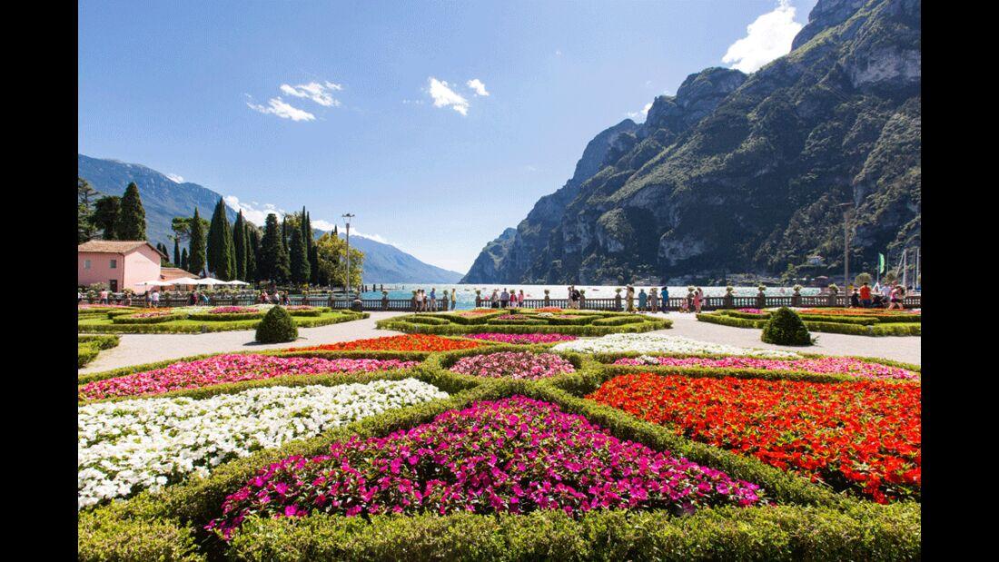 Garda Trentino - Riva del Garda - Panorama dai giardini