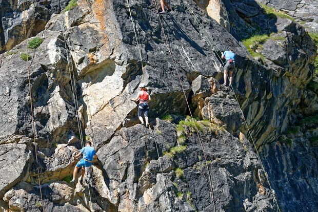 Get Vertical: Kletterabenteuer in Val d'Isère 16