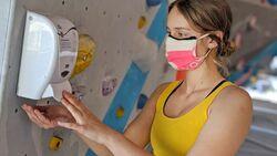 Hand-Desinfektion in der Boulderwelt