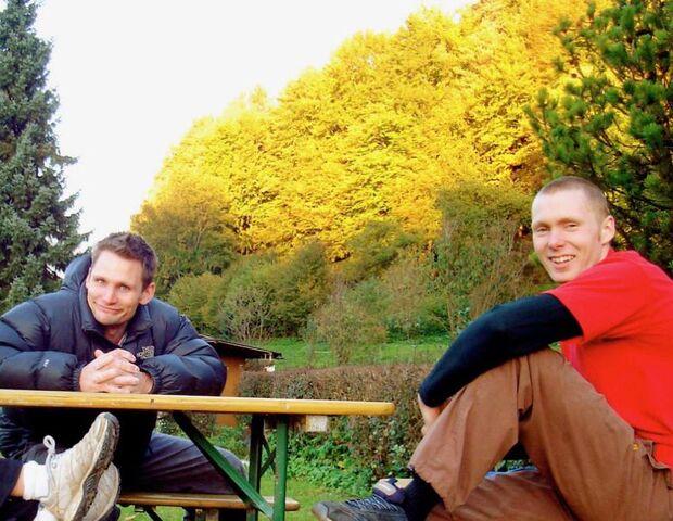 Hannes Huch und Rich Simpson bei Oma Eichler Untertrubach