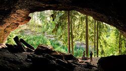 Höhle im Thüringer Wald