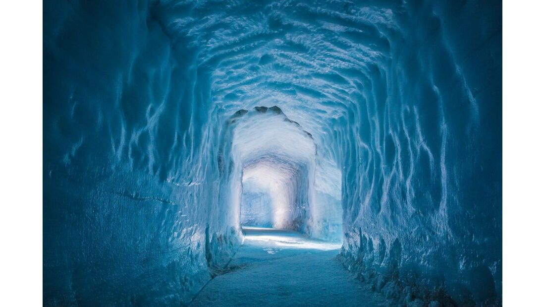 Into the glacier - Wunderwelt aus Eis 12