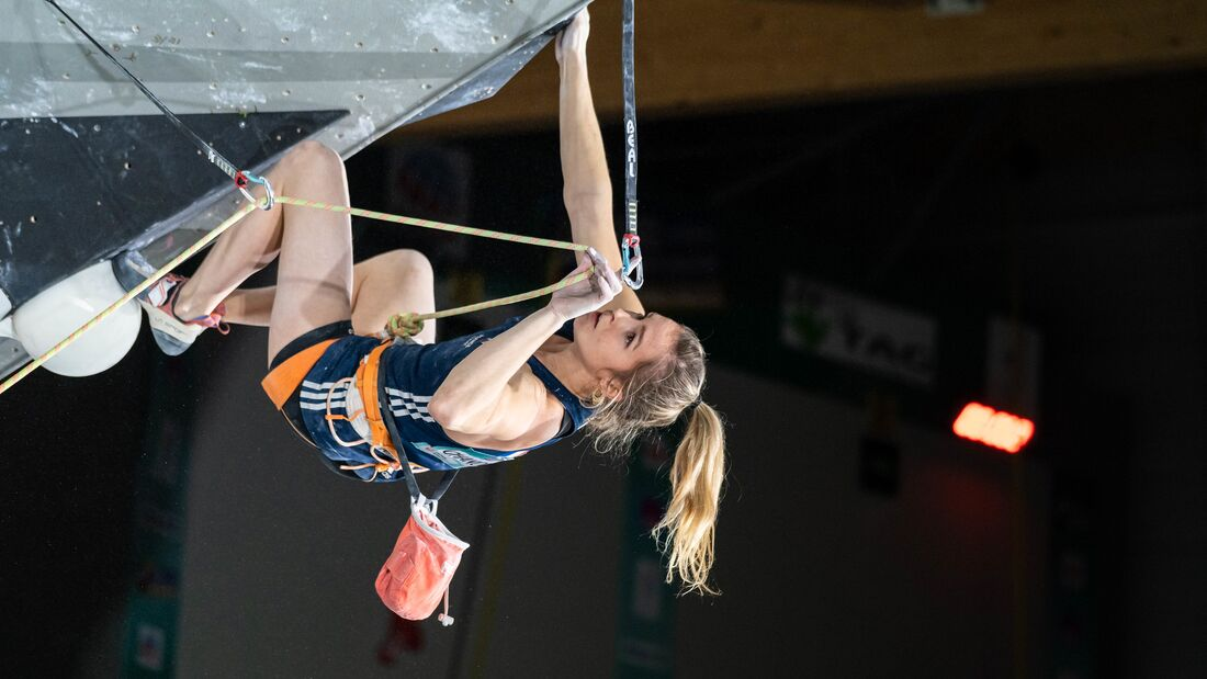 Julia Chanourdie beim Combined Qualifier Wettkampf in Toulouse im November 2019
