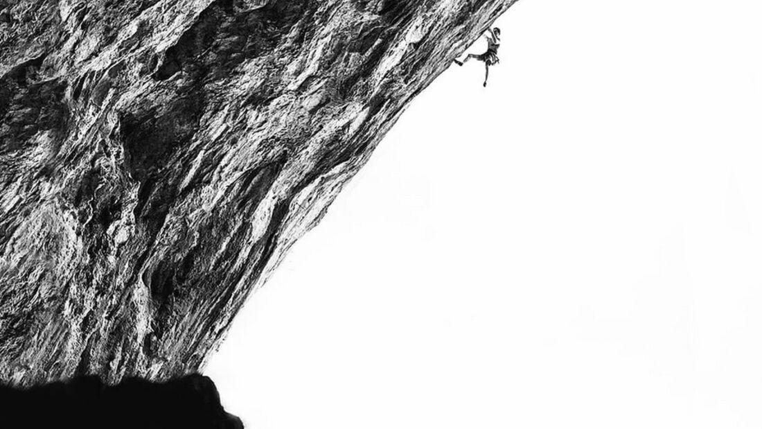 KL Adam Ondra klettert in Mavrovo, Mazedonien