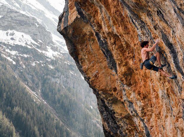 KL Alexander Rohr klettert Alpenbitter 9a in Gimmelwald, CH