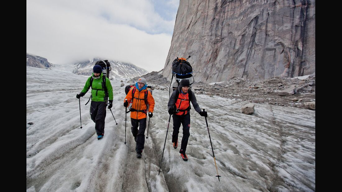 KL-Baffin-Island-Climbing-2012-Zustieg (c) Matteo Mocellin : The North Face (jpg)