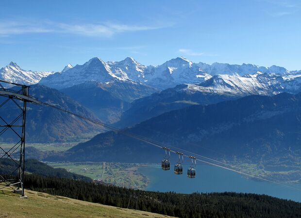 KL Bergbahn Thuner See Schreckhorn, Eiger, Mönch, Jungfrau