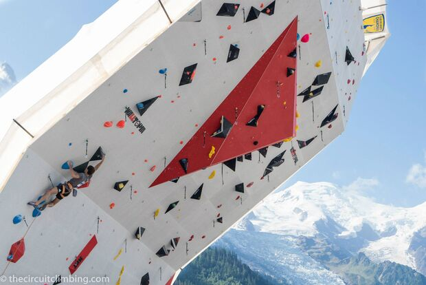 KL-Boulder-Weltcup-2015-the-circuit-boulder-weltcup-Chamonix-2015-IFSC-Lead-World-Cup-Qualifications-1 (jpg)