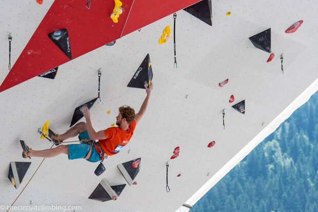 KL-Boulder-Weltcup-2015-the-circuit-boulder-weltcup-Chamonix-2015-IFSC-Lead-World-Cup-Qualifications-103 (jpg)