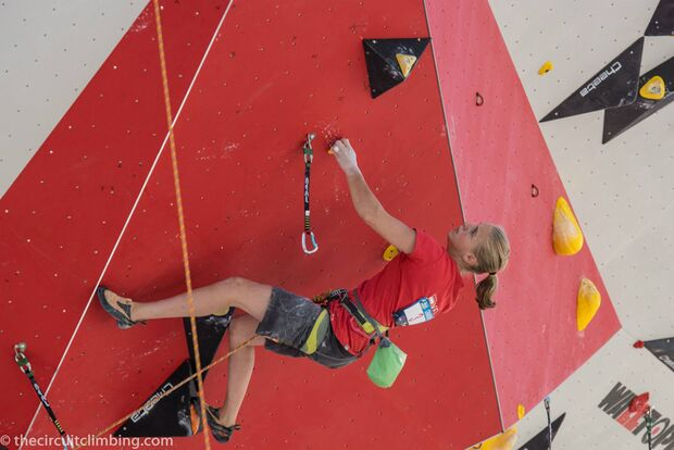 KL-Boulder-Weltcup-2015-the-circuit-boulder-weltcup-Chamonix-2015-IFSC-Lead-World-Cup-Qualifications-13-Nikki-van-Bergen (jpg)