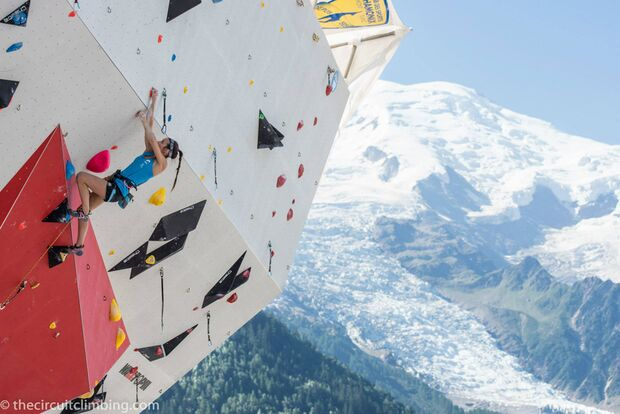 KL-Boulder-Weltcup-2015-the-circuit-boulder-weltcup-Chamonix-2015-IFSC-Lead-World-Cup-Qualifications-17 (jpg)