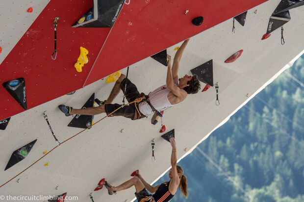 KL-Boulder-Weltcup-2015-the-circuit-boulder-weltcup-Chamonix-2015-IFSC-Lead-World-Cup-Qualifications-25-K-Climbing-Elan- (jpg)