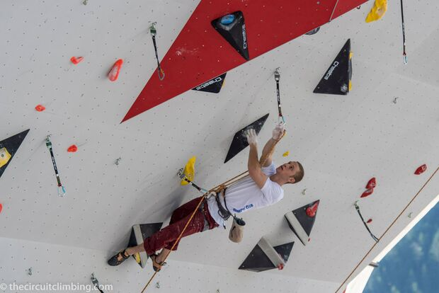 KL-Boulder-Weltcup-2015-the-circuit-boulder-weltcup-Chamonix-2015-IFSC-Lead-World-Cup-Qualifications-27-K-Climbing-Y-Kus (jpg)