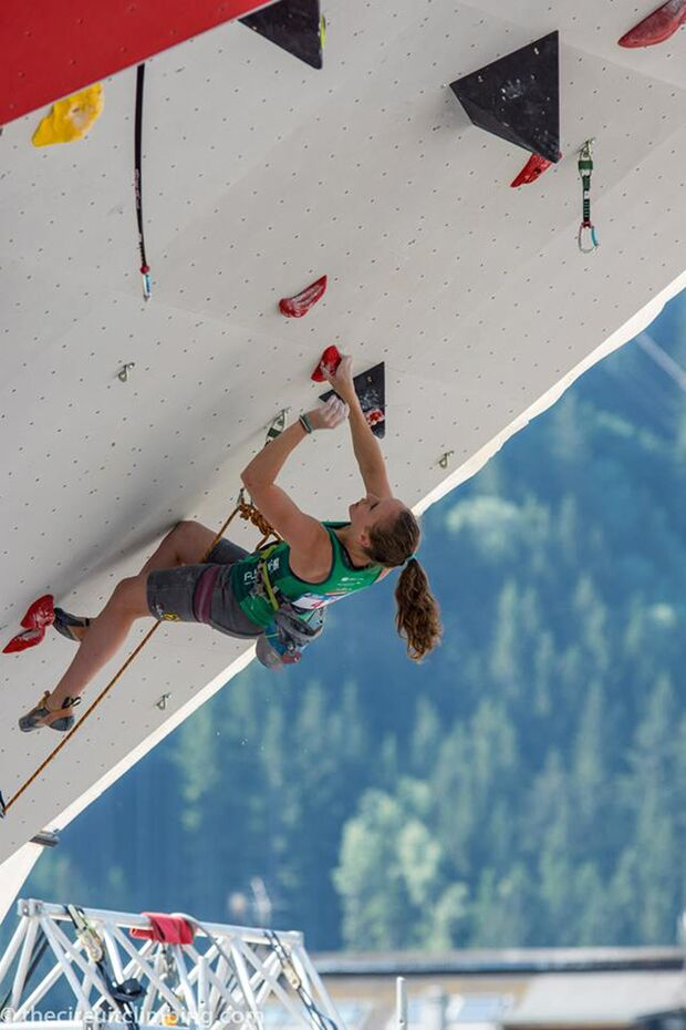 KL-Boulder-Weltcup-2015-the-circuit-boulder-weltcup-Chamonix-2015-IFSC-Lead-World-Cup-Qualifications-33 (jpg)