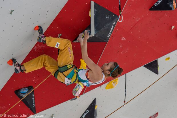KL-Boulder-Weltcup-2015-the-circuit-boulder-weltcup-Chamonix-2015-IFSC-Lead-World-Cup-Qualifications-41-Jain-Kim (jpg)