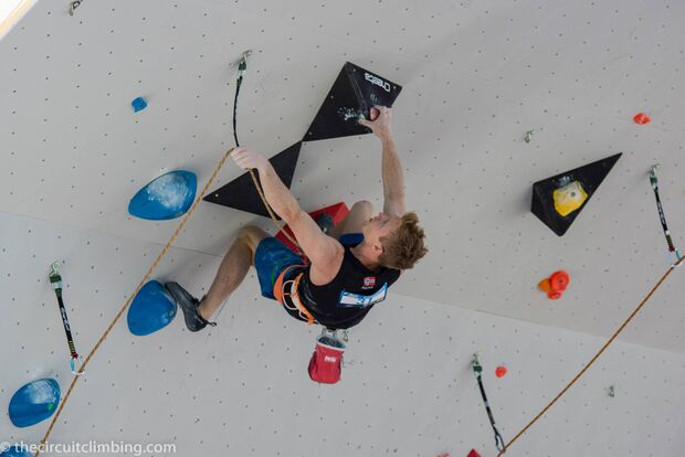 KL-Boulder-Weltcup-2015-the-circuit-boulder-weltcup-Chamonix-2015-IFSC-Lead-World-Cup-Qualifications-47-Magnus-Midtbo (jpg)