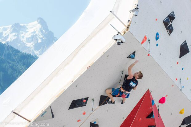 KL-Boulder-Weltcup-2015-the-circuit-boulder-weltcup-Chamonix-2015-IFSC-Lead-World-Cup-Qualifications-50-Magnus-Midtbo (jpg)