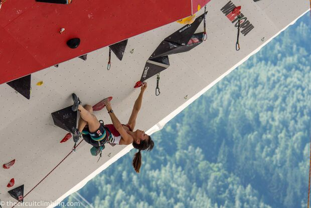 KL-Boulder-Weltcup-2015-the-circuit-boulder-weltcup-Chamonix-2015-IFSC-Lead-World-Cup-Qualifications-65 (jpg)