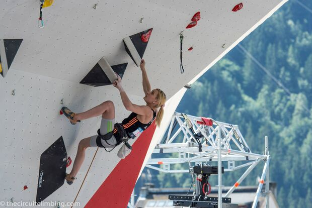 KL-Boulder-Weltcup-2015-the-circuit-boulder-weltcup-Chamonix-2015-IFSC-Lead-World-Cup-Qualifications-66 (jpg)