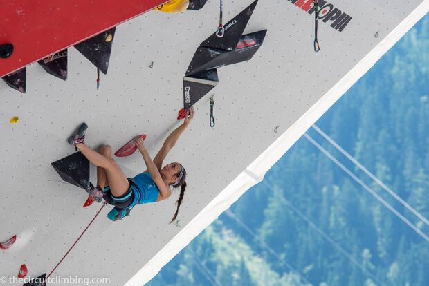 KL-Boulder-Weltcup-2015-the-circuit-boulder-weltcup-Chamonix-2015-IFSC-Lead-World-Cup-Qualifications-76 (jpg)