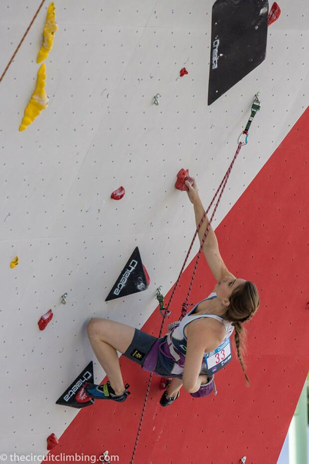 KL-Boulder-Weltcup-2015-the-circuit-boulder-weltcup-Chamonix-2015-IFSC-Lead-World-Cup-Qualifications-8-Kailas-Climbing-N (jpg)