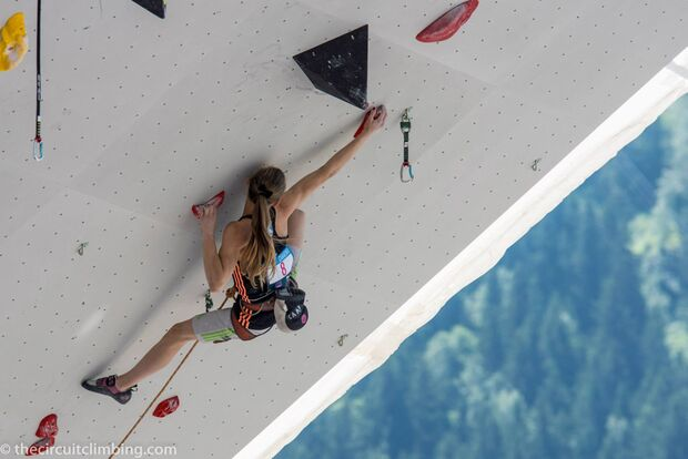 KL-Boulder-Weltcup-2015-the-circuit-boulder-weltcup-Chamonix-2015-IFSC-Lead-World-Cup-Qualifications-81 (jpg)