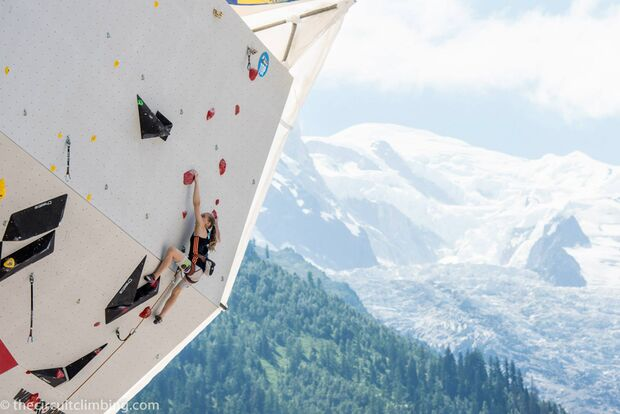 KL-Boulder-Weltcup-2015-the-circuit-boulder-weltcup-Chamonix-2015-IFSC-Lead-World-Cup-Qualifications-83 (jpg)