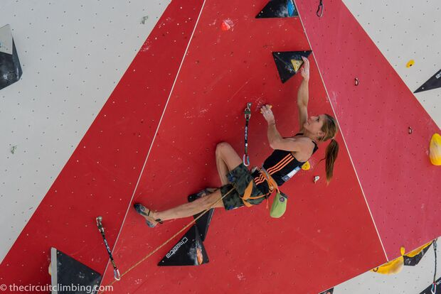 KL-Boulder-Weltcup-2015-the-circuit-boulder-weltcup-Chamonix-2015-IFSC-Lead-World-Cup-Qualifications-85-Mina-Markovic (jpg)