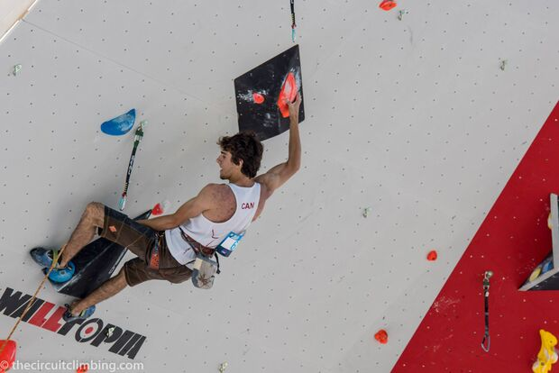 KL-Boulder-Weltcup-2015-the-circuit-boulder-weltcup-Chamonix-2015-IFSC-Lead-World-Cup-Qualifications-86-K-Climbing-Elan- (jpg)