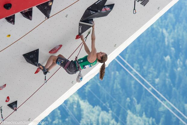 KL-Boulder-Weltcup-2015-the-circuit-boulder-weltcup-Chamonix-2015-IFSC-Lead-World-Cup-Qualifications-88-Jessica-Pilz (jpg)