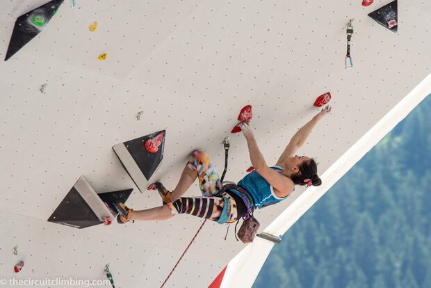 KL-Boulder-Weltcup-2015-the-circuit-boulder-weltcup-Chamonix-2015-IFSC-Lead-World-Cup-Qualifications-97-Dinara-Fakhritdi (jpg)