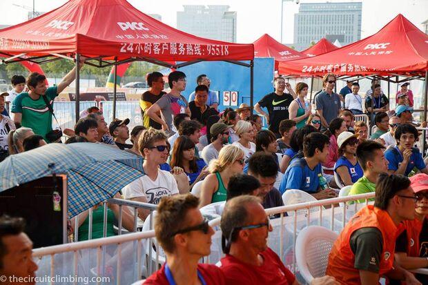 KL-Boulder-Weltcup-2015-the-circuit-boulder-weltcup-Haiyang-2015-IFSC-Boulder-World-Cup-Finals-selection-20-H-Wilhelm-J-Holow (jpg)