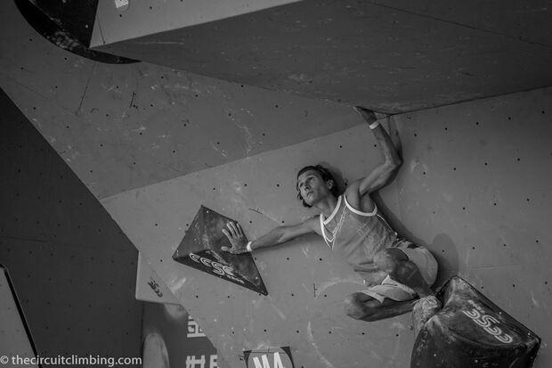 KL-Boulder-Weltcup-2015-the-circuit-boulder-weltcup-Haiyang-2015-IFSC-Boulder-World-Cup-Finals-selection-38-Rustam-Gelmanov (jpg)