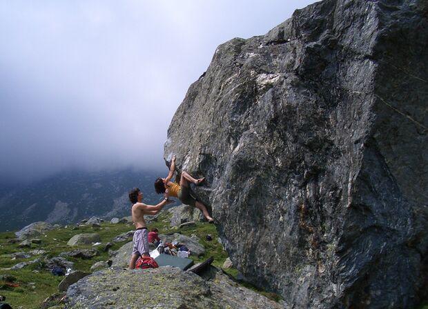 KL Bouldern im Nebel Val di Levi