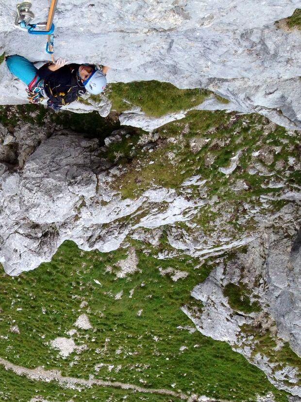 KL CEWE Fotowettbewerb 2013 Leserfotos Jennifer Gothe - Lesertext: Bild 1: alpines Sportklettern im Tannheimer Tal, Erika S. in Paradies, 6+   Bild 2: Bouldern in Albarracin, Sektor Peninsula. x neu