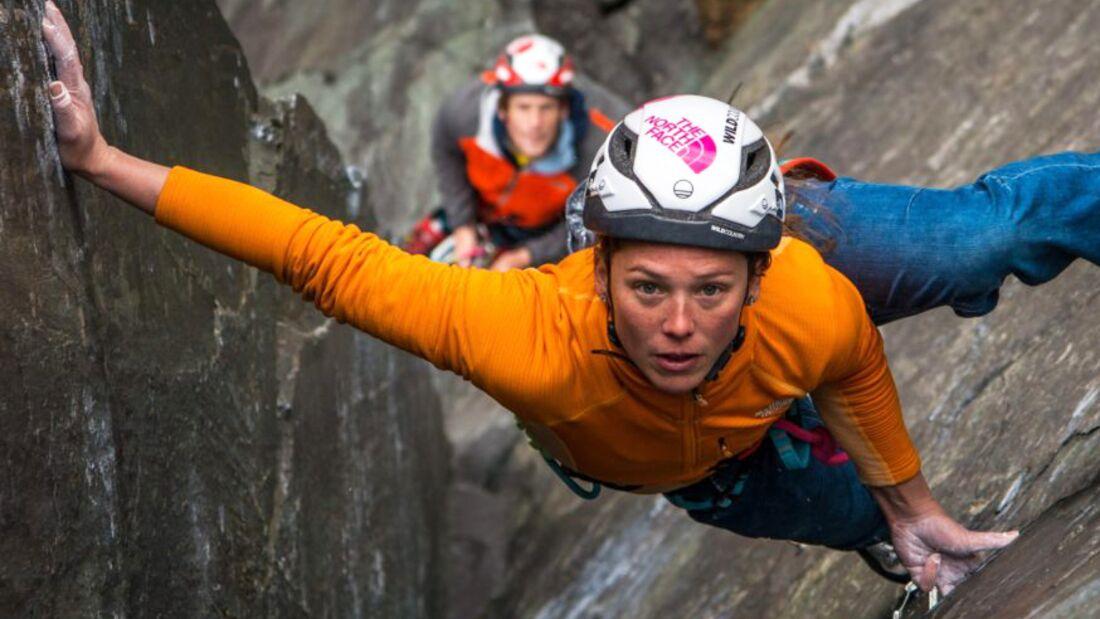 KL Caroline Ciavaldini klettert Quarryman (E8 7a) in Wales