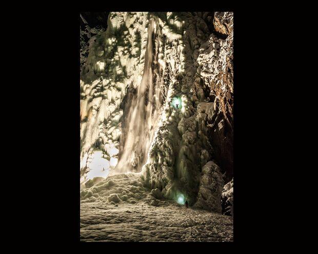 KL-Eisklettern-Norwegen-Mammut-2013-ThomasSenf_SH0432_EIDFJORD_D104379 (jpg)